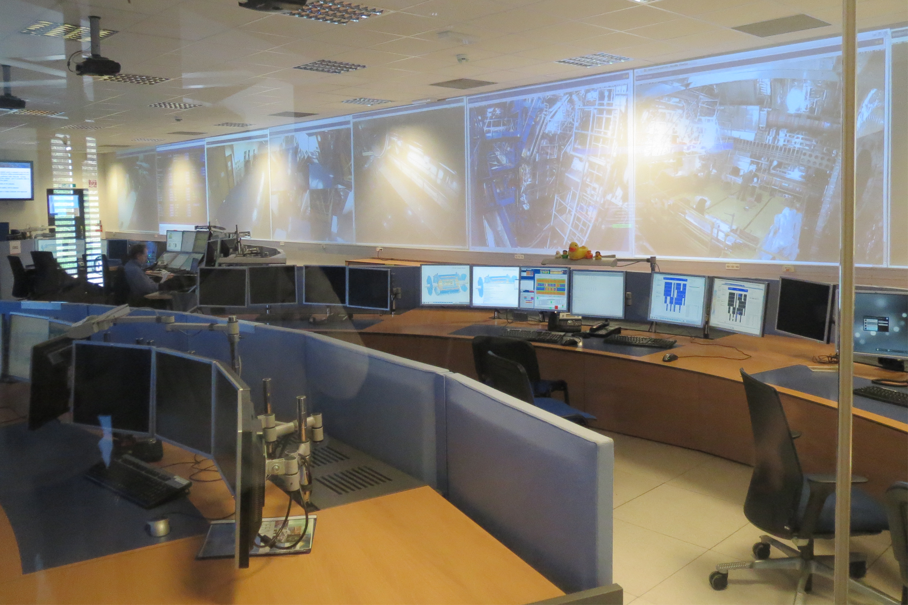 001_CERN_Certified_LabVIEW_Architects_Summit_Control_Room
